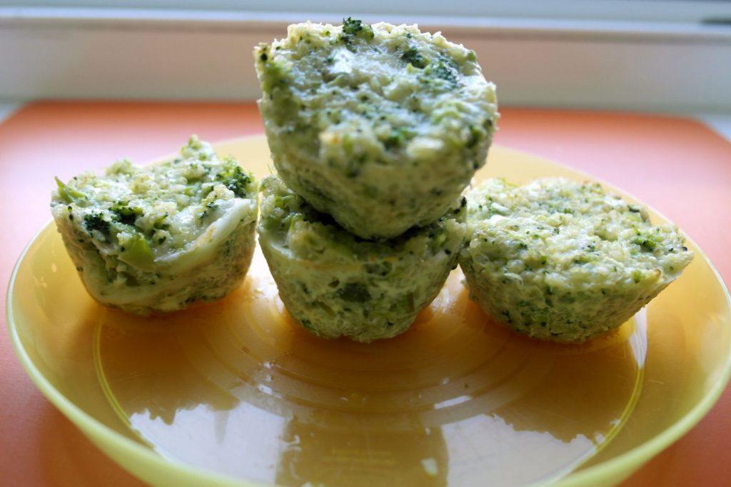 retete pentru copii, briose pentru copii, briose cu broccoli, briose cu quinoa